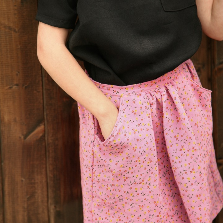 DIY flippy skirt for girls. Quick and easy toddler skirt tutorial. Britt Stitch
